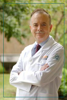 Dr. Martínez-Lavín. Reumatólogo especialista en FM Reumatólogo especializado